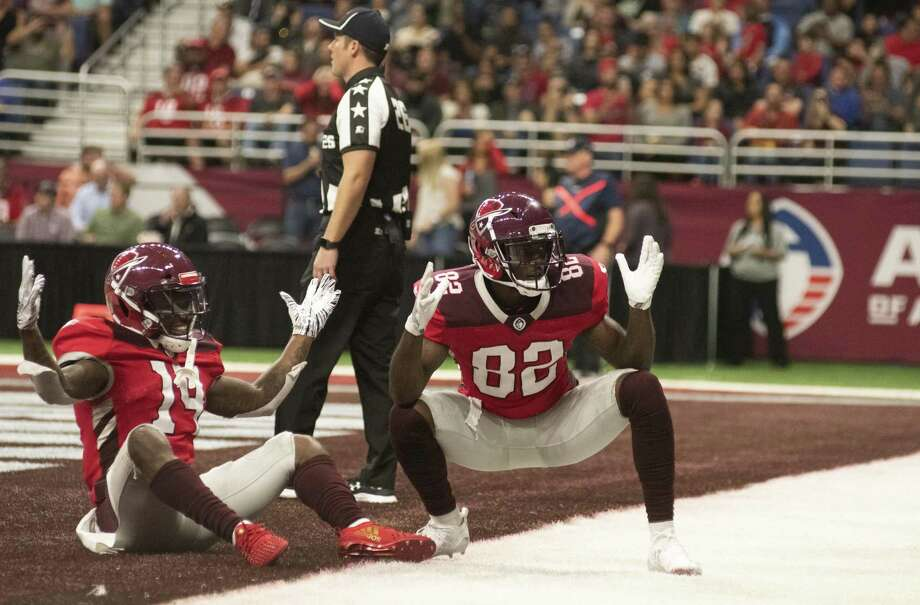 San Antonio Commanders De'Marcus Ayers (14) and Makale Mckay (82) prematurely celebrate a touch down first down during the first half of play on Sunday, February 17, 2019. Photo: Carlos Javier Sanchez / Contributor / pixelreflexmedia.com