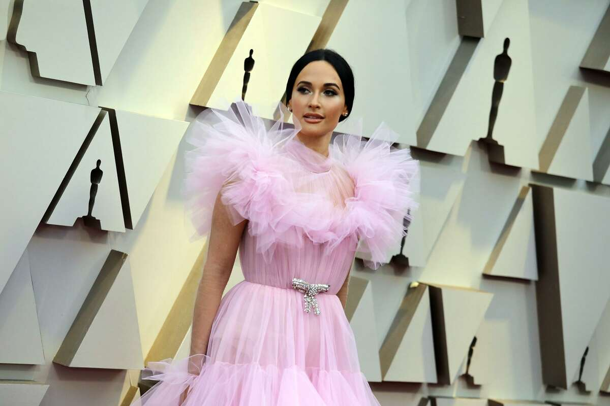 Kacey Musgraves, pretty in pink at the Oscars.