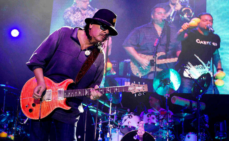El legendario cantante y guitarrista Carlos Santana, oriundo del estado de Jalisco, México, actuará junto  a su banda por primera vez en el Rodeo de Houston. Photo: Jason Fochtman