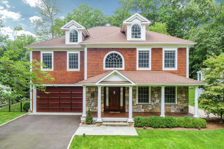 Photo: Sotheby's International Realty / ONLINE_CHECK
