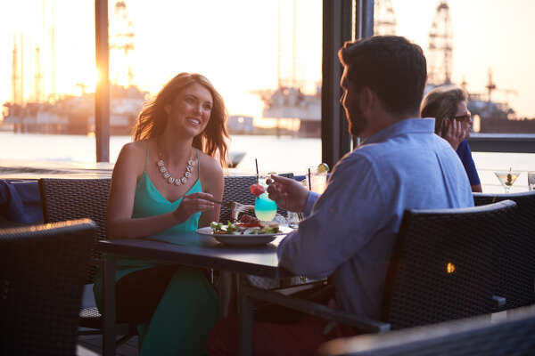 At the end of a long day at the beach, enjoy the best options your destination has to offer, whether it's for a casual happy hour or a night on the town.