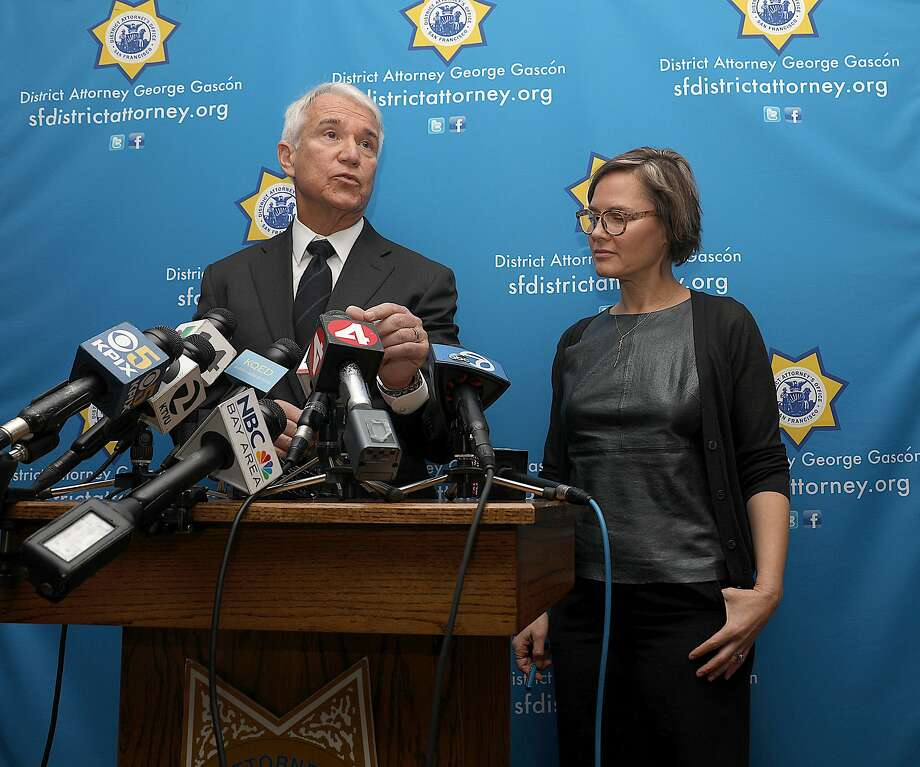 San Francisco district attorney George Gascon (left) and founder Jennifer Pahlka (right) of Code for America announce her group identified every marijuana-related conviction that is eligible for resentencing or expungement under proposition 64 on Monday, Feb. 25, 2019, in San Francisco, Calif. The district attorney's office has automatically cleared 8,132 marijuana-related convictions. An additional 1230 marijuana-related convictions the district attorney's office already expunged brings the total number to 9362. Photo: Liz Hafalia / The Chronicle