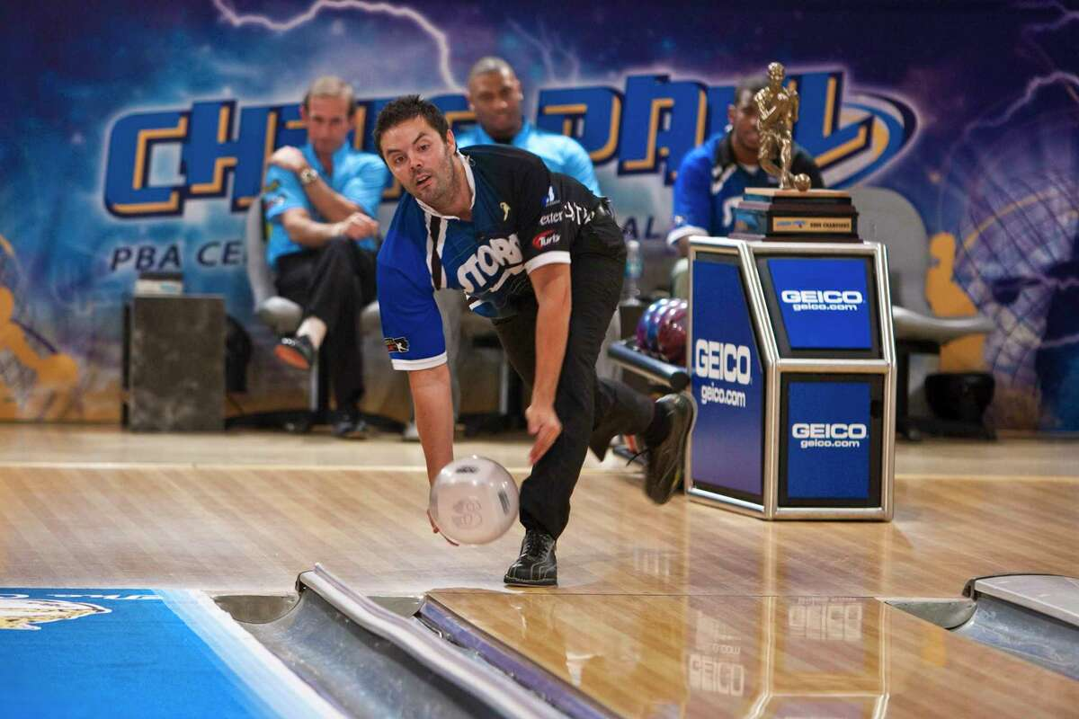 NEW ORLEANS - JANUARY 07: PBA player Jason Belmonte throwing the ball at the PBA celebrity bowling fundraiser at Riverboat Lanes on January 7, 2010 in New Orleans, Louisiana. (Photo by Skip Bolen/Getty Images for PBA)
