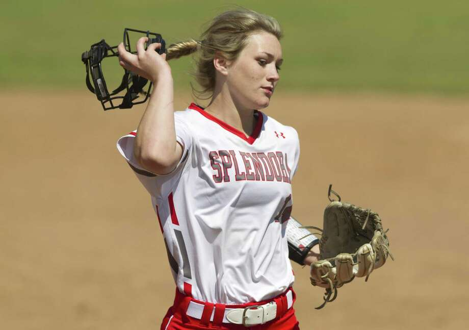 Splendora pitcher Caleigh Millican (14), pictured here in a game last season, threw a complete game Monday night. Photo: Jason Fochtman, Staff Photographer / Houston Chronicle / © 2018 Houston Chronicle