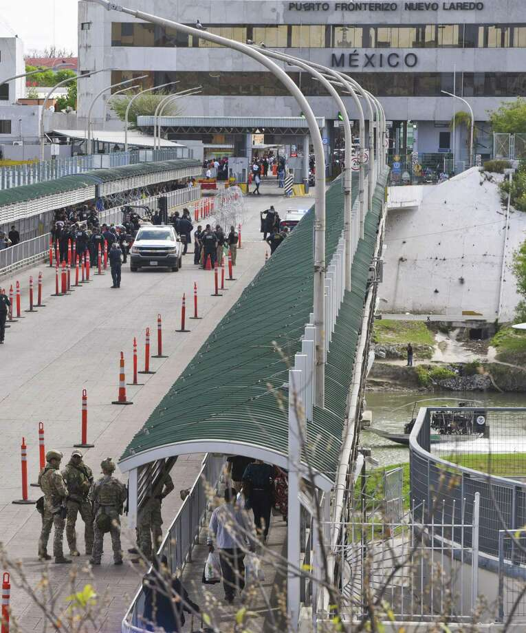 Aduanas y Protección Fronteriza cerró temporalmente el Puente Internacional Portal de las Américas el lunes 25 de febrero de 2019. Photo: Danny Zaragoza /Laredo Morning Times / Laredo Morning Times
