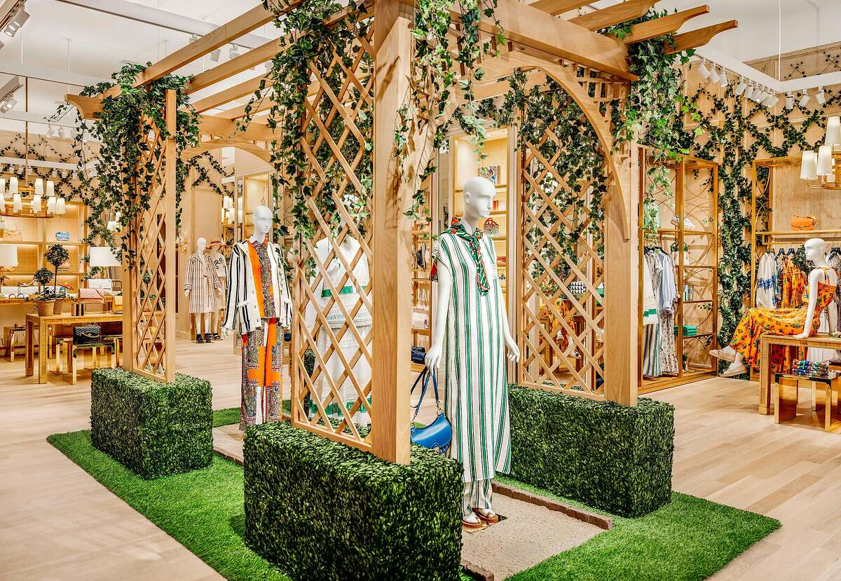 Tory Burch opened a new flagship in Union Square on Feb. 20, 2019.�The interior features a new design concept - including a beautiful lattice structure covered in ivy, white blossoms and lemons - inspired by the set for Tory's Spring/Summer 2019 runway show.
