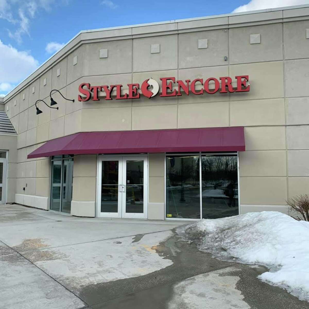 A new clothing consignment store, Style Encore, is coming soon to Clifton Park.