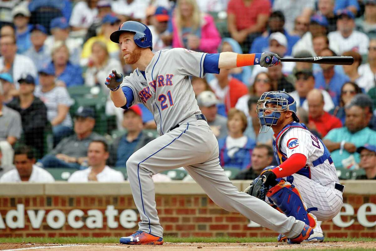 CHICAGO, IL - AUGUST 29: Todd Frazier #21 of the New York Mets hits a grand slam against the Chicago Cubs during the first inning at Wrigley Field on August 29, 2018 in Chicago, Illinois. (Photo by Jon Durr/Getty Images)