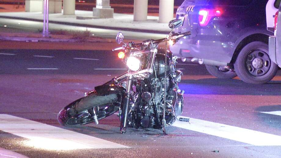 The 36-year-old motorcyclist ran a red light near Loop 410 and West Military Drive at about 10:40 p.m. and struck the vehicle. Photo: Ken Branca