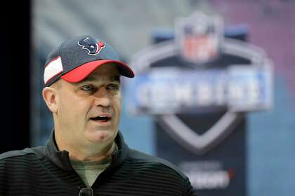 bfdc7270ffc Don t expect swift resolution to Texans  talks with Jadeveon Clowney ...