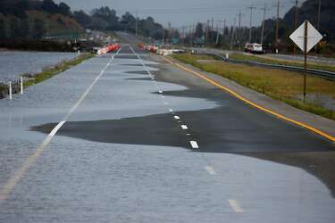 Storm plagues Bay Area traffic to cause numerous crashes