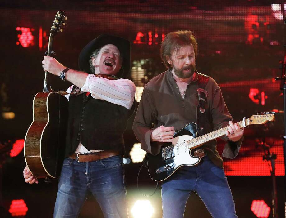 Kix Brook (left) and Ronnie Dunn of Brooks and Dunn perform at the Houston Livestock Show and Rodeo Wednesday, Feb. 27, 2019, in Houston. Photo: Steve Gonzales, Houston Chronicle / © 2019 Houston Chronicle