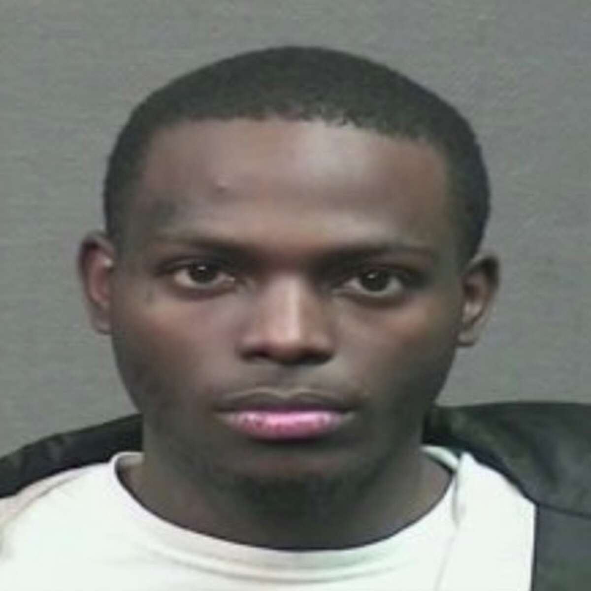 Damarcus Carter, 22, is accused ofstealing more than $300,000 worth of jewelry from a Zales store inside the Willowbrook Mall on Monday, Feb. 25, 2019.