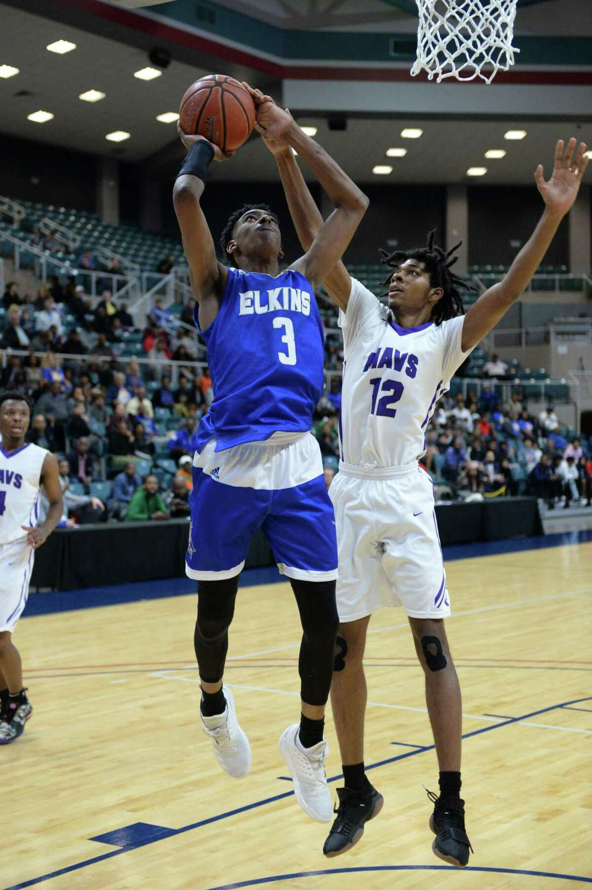 Donovan Williams will make his presence felt for Elkins at regionals.