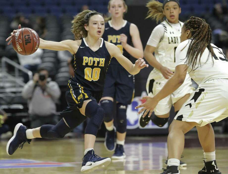 Pirette guard Kyrah Luna sprints the ball up the court as Poth plays Woodville in the girls 3A state semifinal basketball game at the Alamodome on February 28, 2019. Photo: Tom Reel, Staff / Staff Photographer / 2019 SAN ANTONIO EXPRESS-NEWS