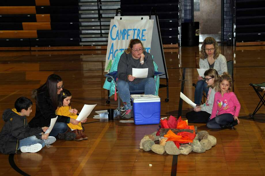 Bad Axe Middle School hosted a Family Literacy Night Camping Fun event Thursday evening. Photo: Seth Stapleton/Huron Daily Tribune