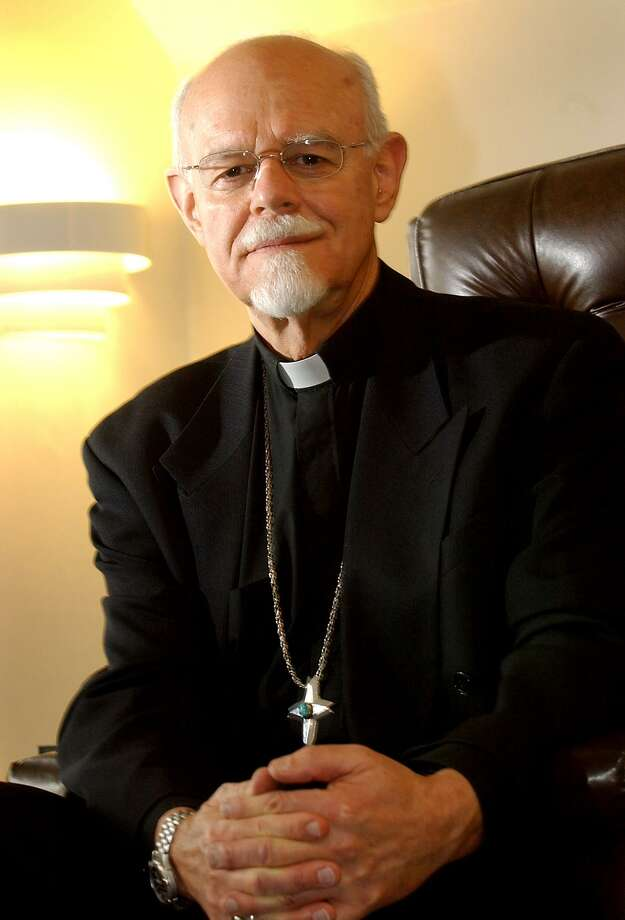 NEW HAVEN-BRIDGE TRAFFIC-PHOTO/JEFF HOLT-JH00130C 2/10/05-Bishop Peter Rosazza in his Sherman Ave. residence. (PHOTO/JEFF HOLT)