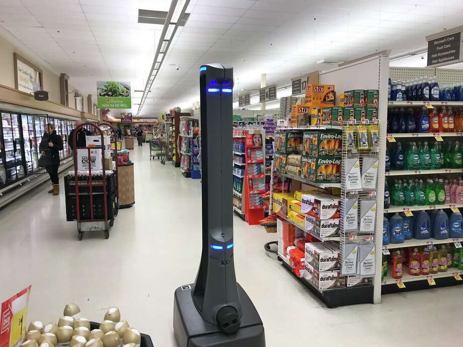 Marty the robot seen at a Connecticut Stop & Shop. Photo: Luther Turmelle / Hearst Connecticut Media