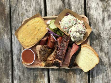Barbecue platter at Micklethwait Market & Grocery in Smithville