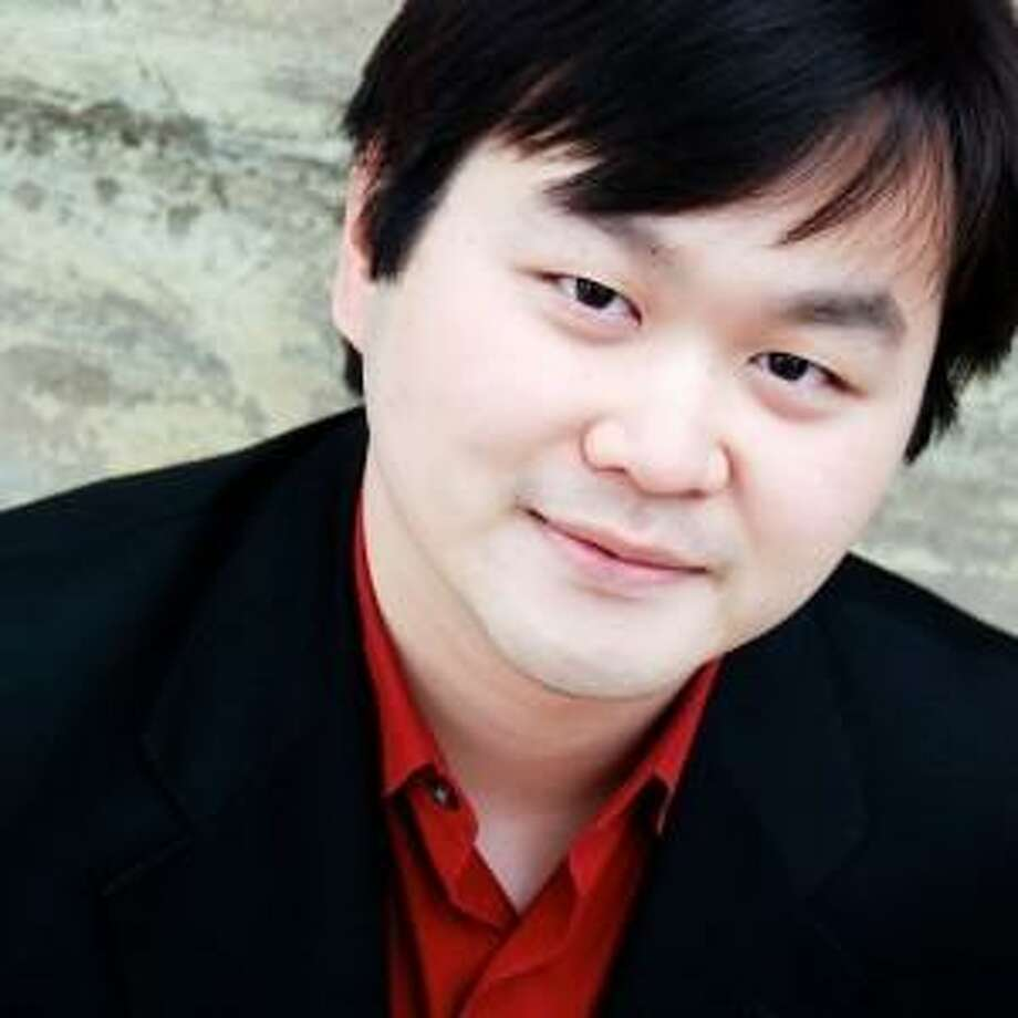 """""""Come and See, Come and Hear,"""" a concert featuring violinist Daniel S. Lee, will open the second half of the Maxwell Shepherd Fund's 2018-19 season in collaboration with Torrington's Five Points Center for the Visual Arts. The free concert will be held at the gallery, 33 Main St., Torrington, March 16 at 4 p.m. Photo: Contributed Photo"""