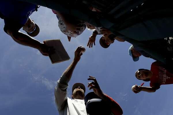 Giants fans, Hunter Pence resume love affair - SFChronicle com