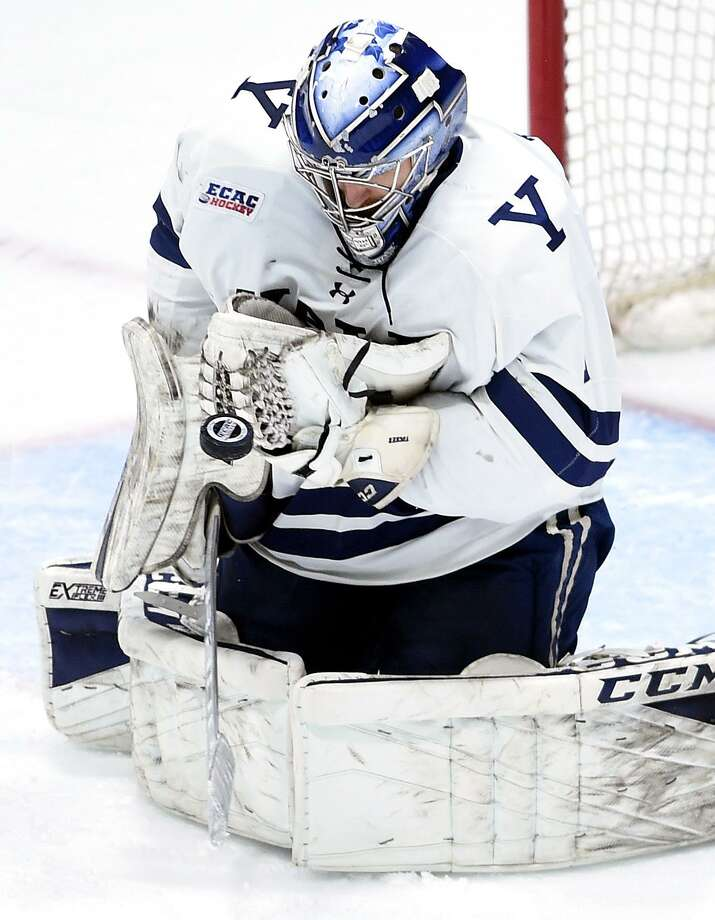 Goalie Sam Tucker and Yale begin a best-of-three ECAC Hockey playoff series against Rensselaer on Friday. Photo: Arnold Gold / Hearst Connecticut Media / New Haven Register