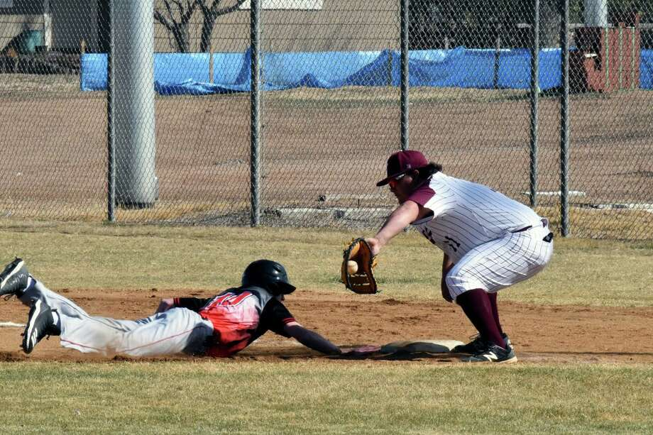 The Tulia Hornets hosted the Hale Center Owls and Lockney Longhorns in the Wood Bat Classic this weekend. The Hornets won the tournament, while the Owls were third and the Longhorns were the equivalent of sixth. Photo: Claudia Lusk/Plainview Herald