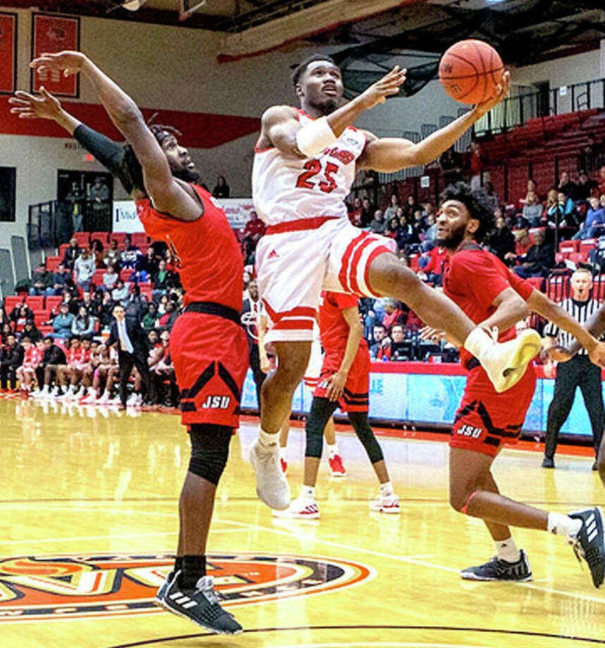 Jaylen McCoy of SIUE (25) goes to the basket during Saturday's loss to Jacksonville State at the Vadalabene Center. Photo: SIUE Athletics