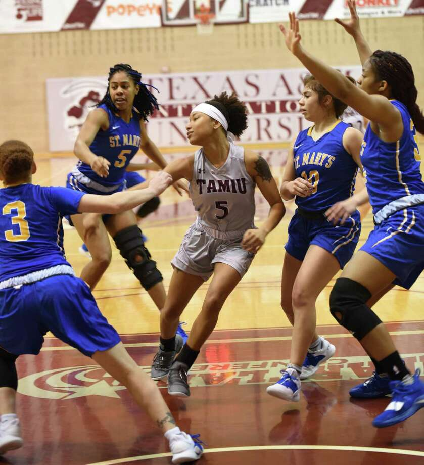 Tacoya Allen and the Dustdevils lost 69-58 on Saturday to rival St. Mary's as they finished the program's first winless regular season at 0-26. They have an automatic bid to next week's Heartland Conference tournament in Tulsa, Okla. where they will take on league champion No. 25 Lubbock Christian. Photo: Christian Alejandro Ocampo /Laredo Morning Times / Laredo Morning Times