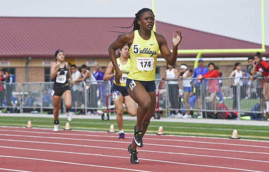 Alexander's Cynthia Emeremnu is one of two state qualifiers from last season in Laredo heading to the regional meet Friday. The other is Nixon's Alexa Rodriguez. Photo: Danny Zaragoza / Laredo Morning Times File / Laredo Morning Times