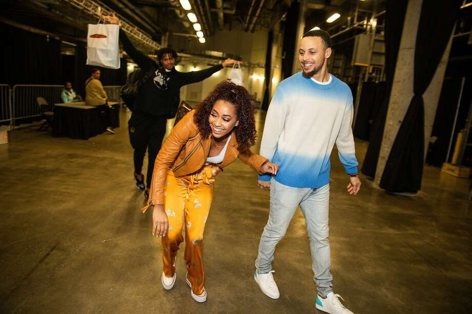 Damion Lee, Sydel Curry Lee and Stephen Curry leaving the Golden State Warriors vs Miami Heat game at American Airlines Arena on February 27, 2019 in Miami. Photo: Cassy Athena / Getty Images