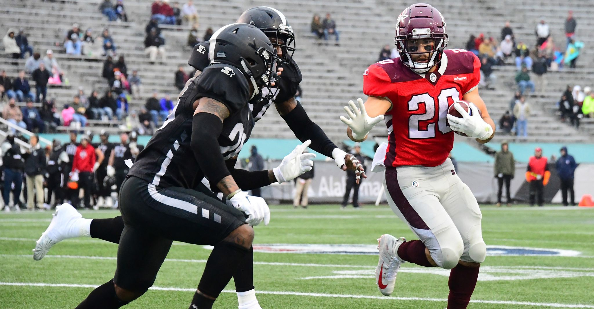 Kenneth Farrow carries San Antonio Commanders past Birmingham Iron