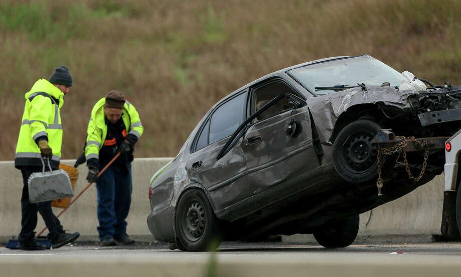 Fatal three-vehicle crash shuts down northbound lanes of North