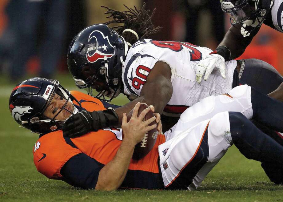 The Houston Texans placed the non-exclusive franchise tag on defensive end/outside linebacker Jadeveon Clowney (90) on Monday. Photo: David Zalubowski, STF / Associated Press / Copyright 2018 The Associated Press. All rights reserved