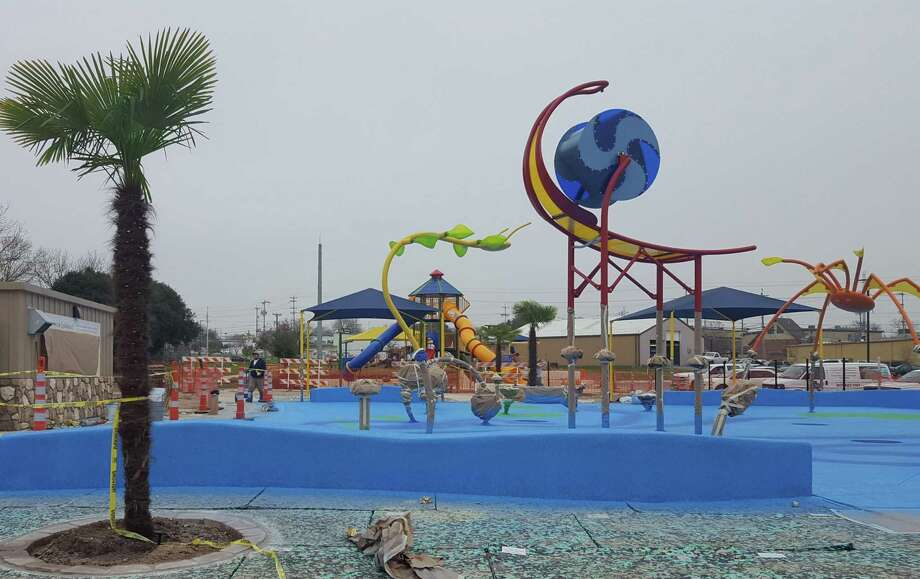 Universal City officials plan this Saturday as the opening day of the Northview Park Splashpad, a 4,000-square-foot aquatic structure that has 16 spraying, splashing and dousing features. Photo: Jeff B. Flinn / Staff