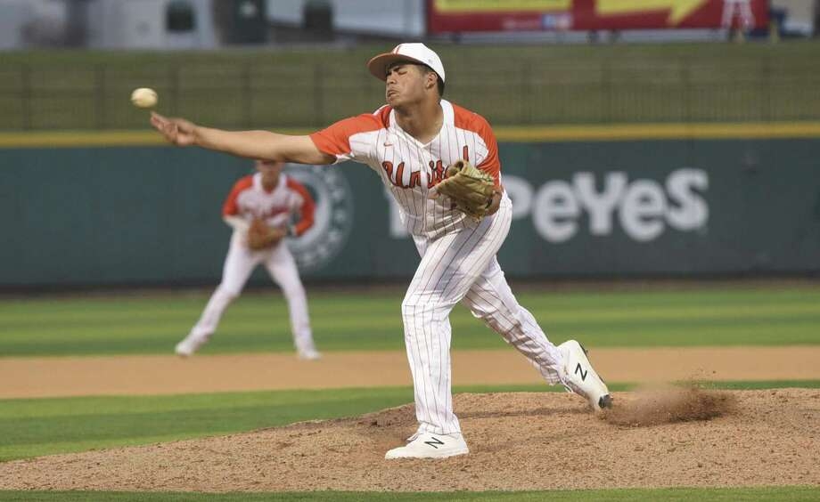 Adrian Castillo earned the win Thursday as United edged PSJA 4-3 in the opening game of their series. Photo: Danny Zaragoza /Laredo Morning Times File