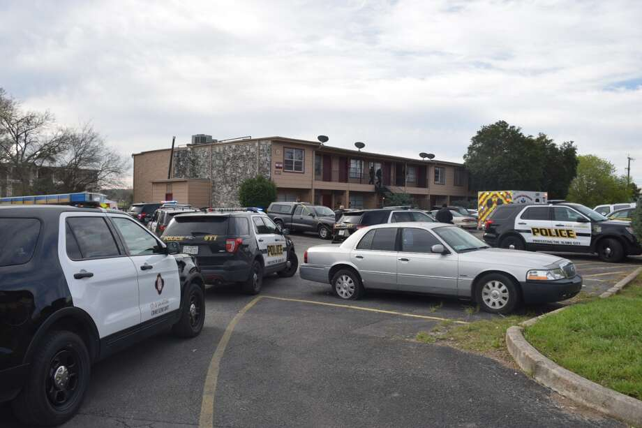 A man was shot in the arm during an argument around 8:40 a.m. Tuesday, March 5, 2019, at an apartment complex on the 4600 block of Pecan Valley Drive in San Antonio, police said. Photo: Caleb Downs/San Antonio Express-News
