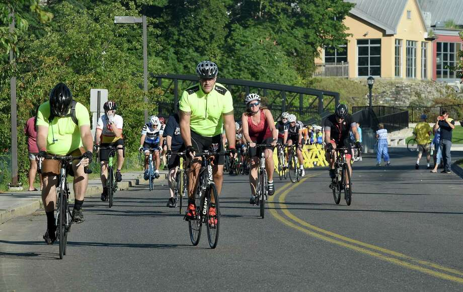 Riders begin the Folks on Spokes and Step Forward Memorial Walk in Milford on September 16, 2018. The ride and walk raised funds for Bridges Healthcare to support mental health and addiction recovery. Photo: Arnold Gold / Hearst Connecticut Media / New Haven Register