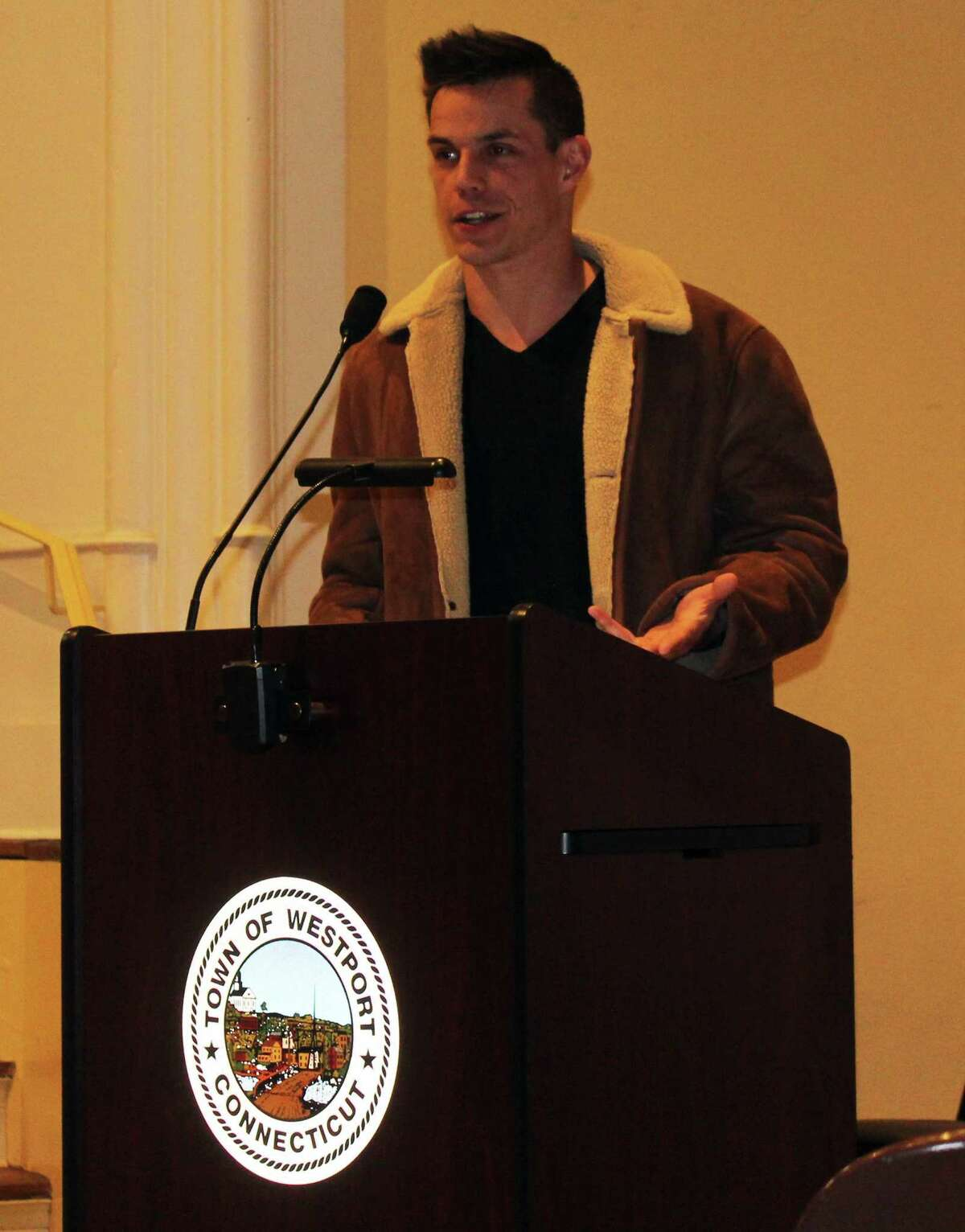 Westport Representative Town Meeting (RTM) member Andrew Colabella proposed a ban single use plastics and styrofoam at the March 5 RTM meeting.