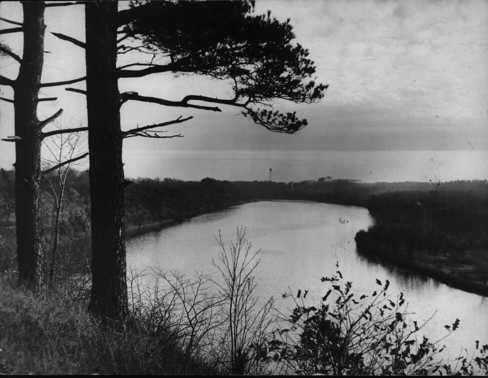 New York - The world's biggest laboratory for research in peacetime use of atomic power is being built on the hillside, in background, overlooking the Mohawk River just east of Schenectady. Knolls Atomic Power Laboratory, River Road, Niskayuna, New York. December 18, 1948 (Times Union Archive)