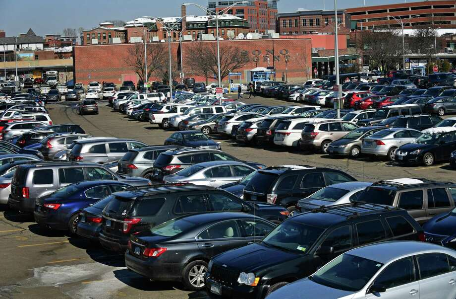 A crowded Webster Street parking lot Tuesday, March 5, 2019, in Norwalk, Conn. The Norwalk Parking Authority is devising a plan to keep SoNo Collection mall workers from parking all day in the Webster lot at 55 Dr. Martin Luther King Jr Drive and from parking in the neighborhood across the street from the site on Garner Street. Photo: Erik Trautmann / Hearst Connecticut Media / Norwalk Hour