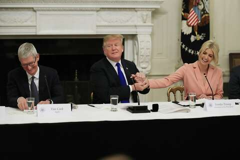 Did Trump just butcher Apple CEO Tim Cook's very easy name? - SFGate