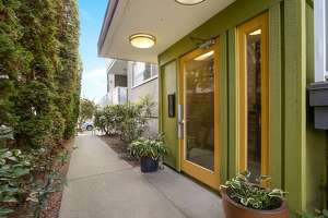 812 N 42nd St #101 Seattle, WA 98103, listed for $519,000.  See the full listing .