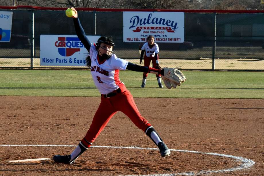The Plainview Lady Bulldogs softball team opened District 3-5A play with a five-inning, 13-0 win over the Palo Duro Lady Dons on Wednesday at Lady Bulldogs Park in Plainview. Photo: Claudia Lusk/Plainview Herald