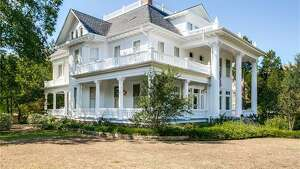 DENTON:   1035 W. Oak Street      Built : 1903