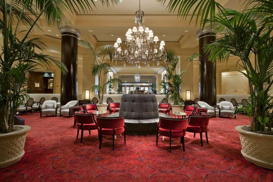 The lobby lounge at the Fairmont Hotel in San Jose. Photo: Fairmont San Jose/Yelp