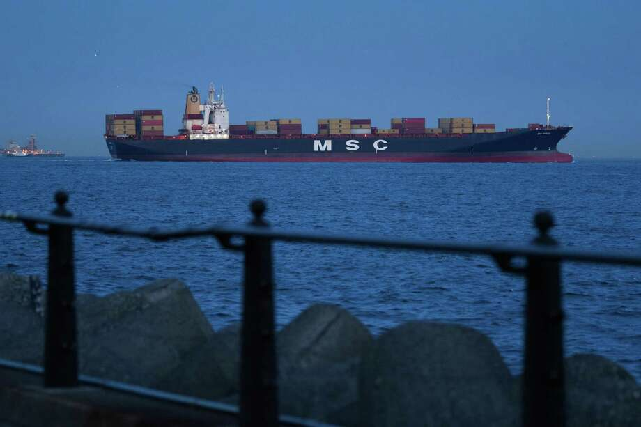New pollution rules will require ships to burn cleaner fuels that will raise costs. Photo: Akio Kon / Bloomberg / © 2019 Bloomberg Finance LP