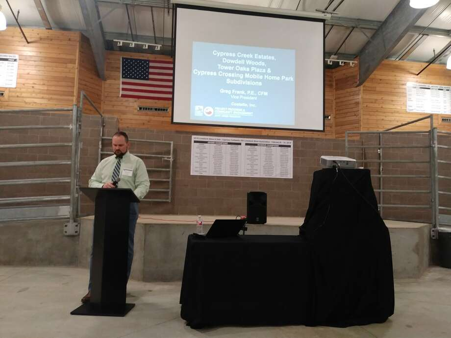 Harris County Engineering Department representative Brennan Cook explained the open format of the community engagement meeting on March 5, 2019. Photo: Chevall Pryce