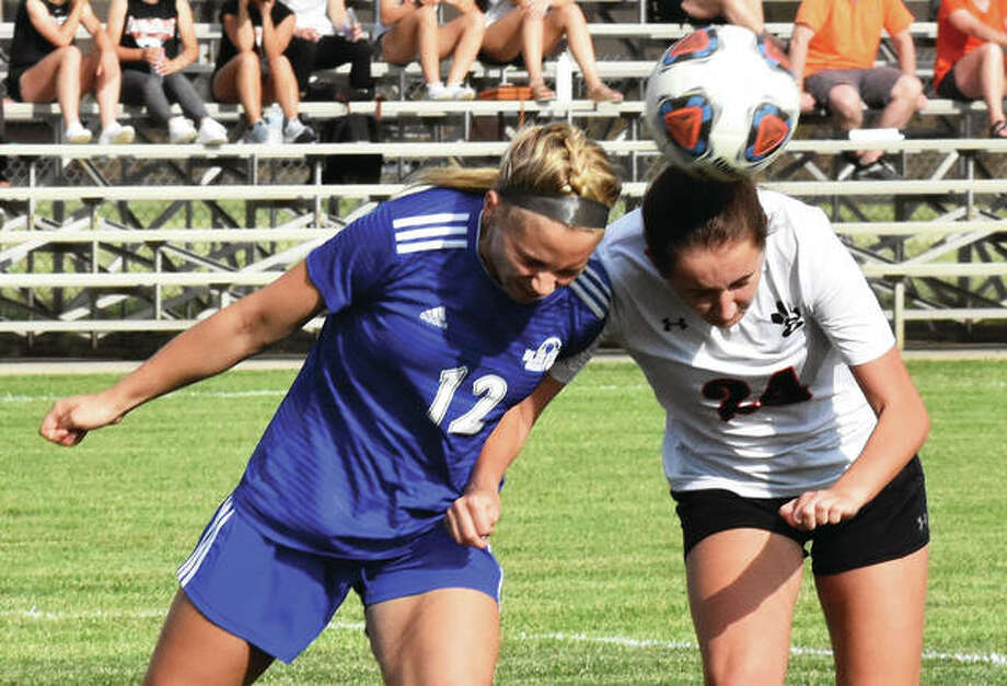 Edwardsville junior Rileigh Kuhns, right, scored seven goals last season to tie for the team lead with Hannah Bielicke. Photo: Matt Kamp/Intelligencer