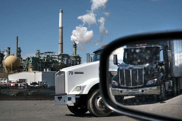 Diesel trucks would be nearly eliminated in California under